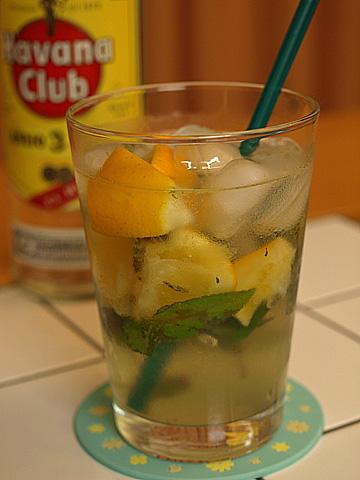 ペッパーミントとメイヤーレモンのモヒート